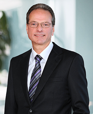 Henry Samueli will receive the 2021 IEEE Founders Medal at the annual IEEE Vision/Innovation Challenges Summit and Honors Ceremony.