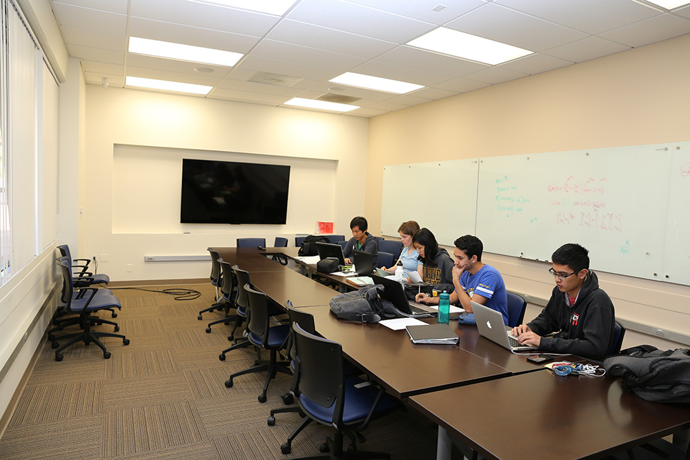 Engineering Student Study Meeting Space The Henry