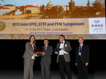 Chen Tsai accepts IEEE-UFFC Achievement Award